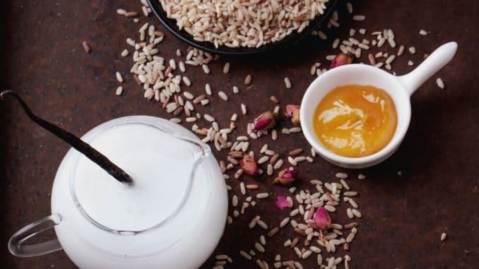 использование рисовой маски от морщин