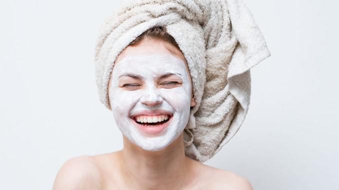 Эффективные маски для подтяжки лица